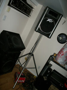 PEAVEY SOUND SYSTEM * SYSTEM SON PEAVEY *MIXER*SPEAKERS*MONITOR*