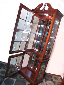 Superb & Rare Magnifying Glass China / Curio Cabinet SEE VIDEO