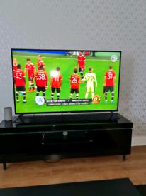 58INCH LINSAR UHD 4K SMART TV