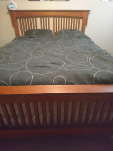 Used Full Queen Size Bedroom Suite Good Condition.