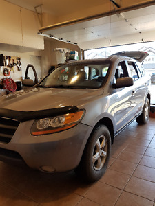 2008 Hyundai Santa Fe, Leather,AWD, Sun roof,  firm on price.