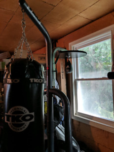 tko heavy bag buy or sell exercise equipment in ontario kijiji classifieds. Black Bedroom Furniture Sets. Home Design Ideas