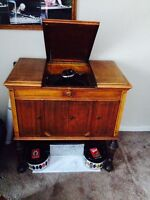 1900's Working Victor Record Player