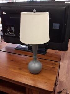 *** USED *** ASHLEY SYNTHIE LAMP (2/CN)   S/N:51216616   #STORE550