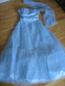 Formal Light Blue Dress with Shall - size 9/10