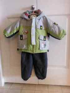 Snow suite for boys size 18-24 months!