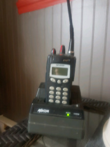 Radio walkie-talkie / scanner macom p700ip