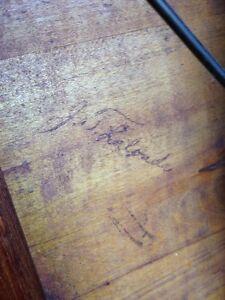 Table bistro en bois 1940 avec chaises pliantes Saint-Hyacinthe Québec image 7