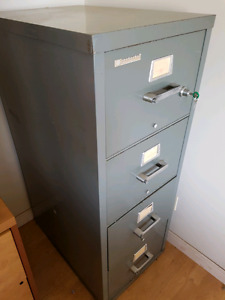 Fire proof filing cabinet with safe drawer
