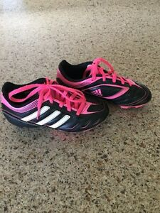 Kids / girls soccer shoes /cleats size 12