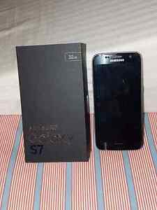 MINT CONDITION SAMSUNG GALAXY S7