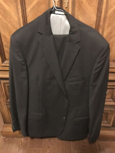 Kenneth Cole Men's Suit (Pants 38R and Jacket 42R/44R)