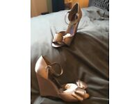 BRONZE WEDGE SANDALS