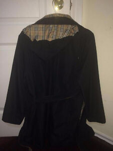 Selling Burberry trench coat. Perfect condition!!
