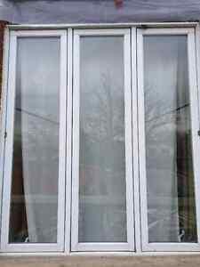 Fenetre PVC blanche 83 x 72