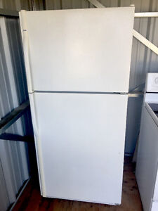 White *Kenmore* Refrigerator (FULL DELIVERY incld.!)