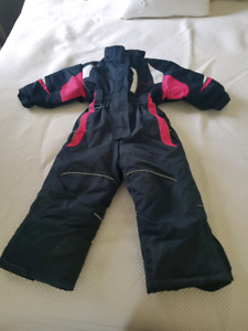 Like New Onepiece Snowsuit size 3
