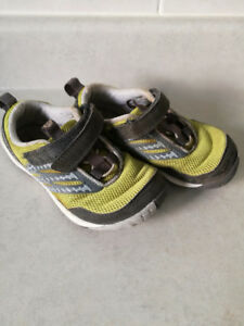 Merrell Kids Performance SHOES, size 11