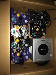 Nintendo GameCube System and Controllers  Windsor Region Ontario image 1