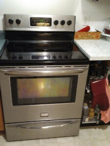Frigidaire Gallery free standing stove