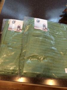 Organic Towel Set. *New in sealed bags*