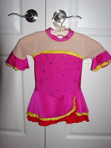 Size 5-6 SKATING CLOTHING