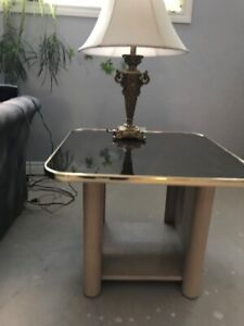 Coffee Table Set, mirrored  and movable top of the coffee tabel