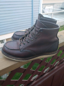 Red Wing 1907 classic moc toe boots size 9