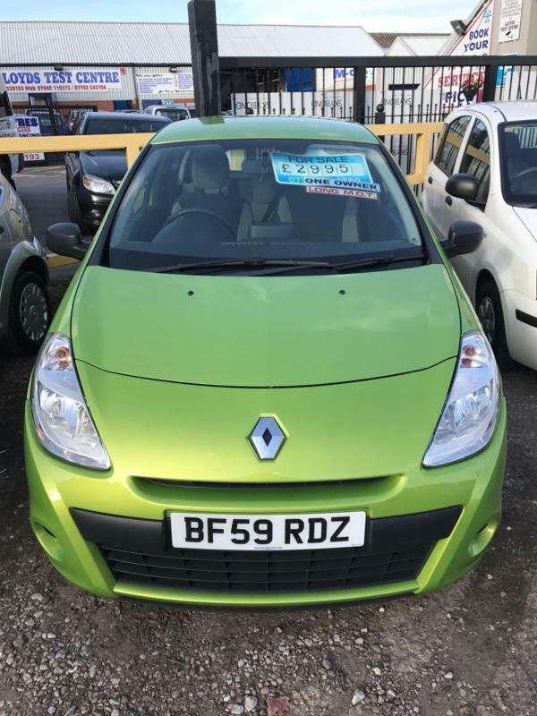 renault clio 1 2 extreme tom tom in stoke on trent staffordshire gumtree. Black Bedroom Furniture Sets. Home Design Ideas