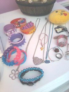 LITTLE GIRLS JEWELS AND ACCESSORIES