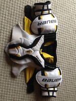 Bauer Total One Shoulder Pads