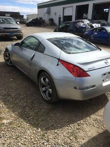 Parting out 2007 Nissan 350z only 47000 kms