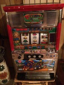 Slot machines with tokens