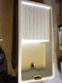 Belfast sink with drainer