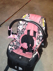 Infant Car Seat/High Chair/Bouncy Seat and Musical Mobile