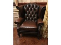 Brown Leather Queen Ann Chesterfield Chair In Fine Condition.