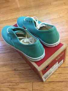 Bnew in box vans shoes Cambridge Kitchener Area image 2