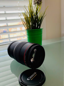 Like New Canon 100m 2.8L IS Macro Lens