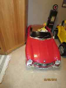 Mercedes Benz 2 person battery operated car Strathcona County Edmonton Area image 1