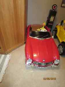 Mercedes Benz 2 person battery operated car