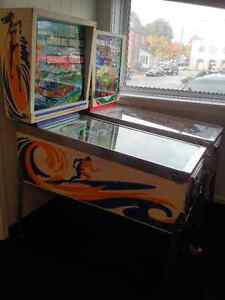 """1976 Gottlieb """"Surf Champ"""" Pinball Game **Great Condition**"""