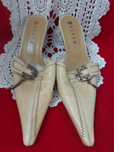 Vexed Super Pointed Toe Shoes Spain