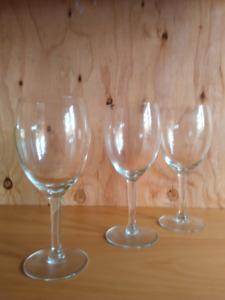 Tear Drop White Wine Glasses