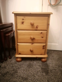 Bedside drawers/table