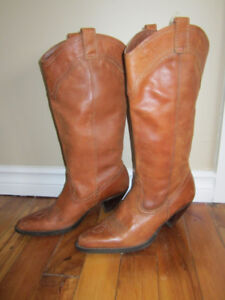 Woman's leather uppers Cowboy Boots size 8   style  #16