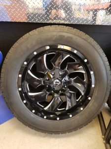 """Fuel Offroad """"Cleaver"""" & Maxxis Bravo HT-770 275/55R20"""