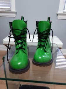 No Boundaries Lime Green Women Combat Boots-Size 9-New