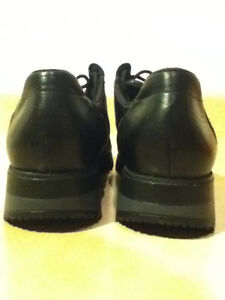 Women's Rieker Leather Shoes Size 7.5 London Ontario image 3