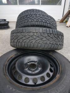 Pneus d'hiver et roue 195 65 15 mort frost