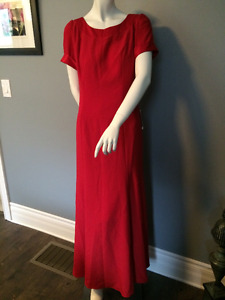 Red Elegant NEW with Tags Formal Dress size 10
